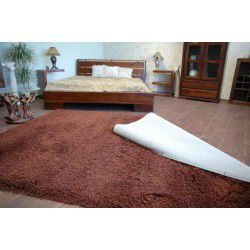 Overedging runners and carpets