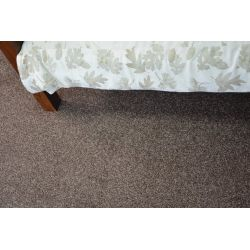 Fitted carpet INVERNESS brown 832