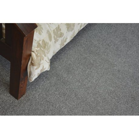 Fitted carpet INVERNESS silver 900